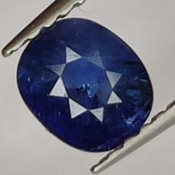 0.75ct. Oval cut sapphire