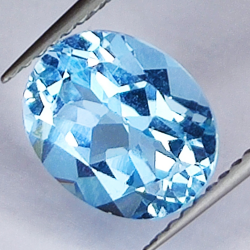 3.52ct Blue Topaz oval cut...