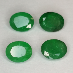 Oval cut emerald 5x4mm 1pz