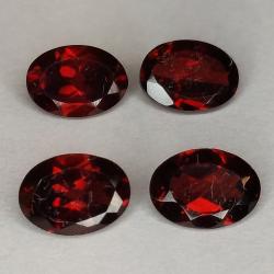 Garnet oval cut 7x5mm 1pz