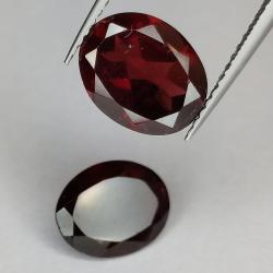 Garnet oval cut 10x8mm 1pz