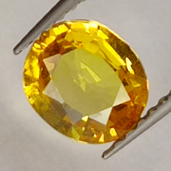 1.35ct Yellow Sapphire oval...