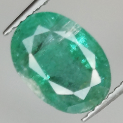 2.76ct Emerald oval cut...