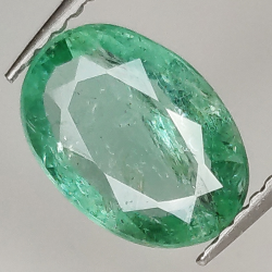 1.65ct Emerald oval cut...