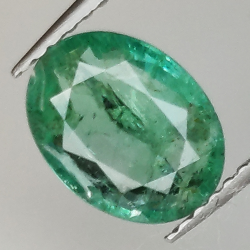 1.39ct Emerald oval cut...