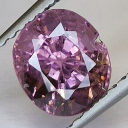 1.55ct Pink Spinel oval cut...