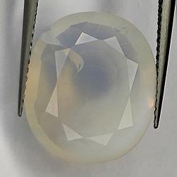 5.95ct White Opal oval cut...