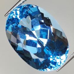 15.57ct Blue Topaz oval cut...