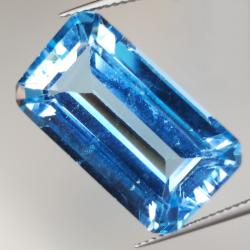 23.65ct Blue Topaz emerald...