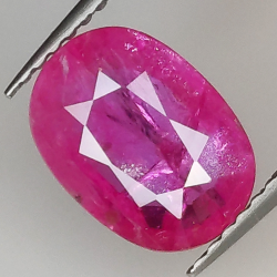 2.21ct Ruby oval cut 9.9x7.1mm