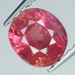 0.95ct Pink Sapphire oval...