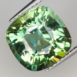 5.82ct Green Apatite...