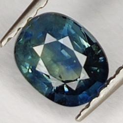 0.76ct Blue Sapphire oval...