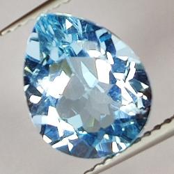 3.81ct Blue Topaz pear cut...