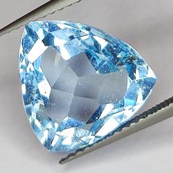 7.32ct Blue Topaz trilliant...