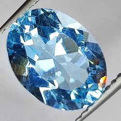 4.02ct Blue Topaz oval cut...