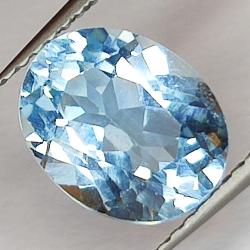 3.68ct Blue Topaz oval cut...