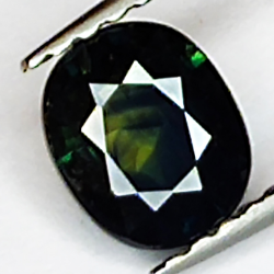 0.76ct Green Sapphire oval...