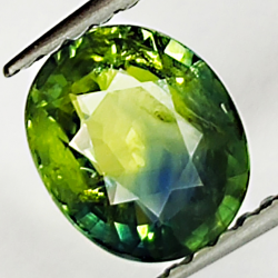 1.24ct Green Sapphire oval...