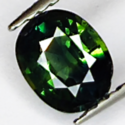 0.95ct Green Sapphire oval...