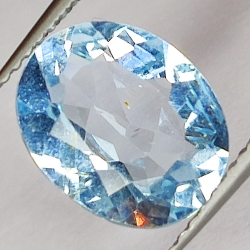 7.34ct Blue Topaz oval cut...