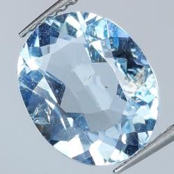 3.73ct Blue Topaz oval cut...