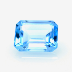 14,51 ct Blue Topaz Emerald...